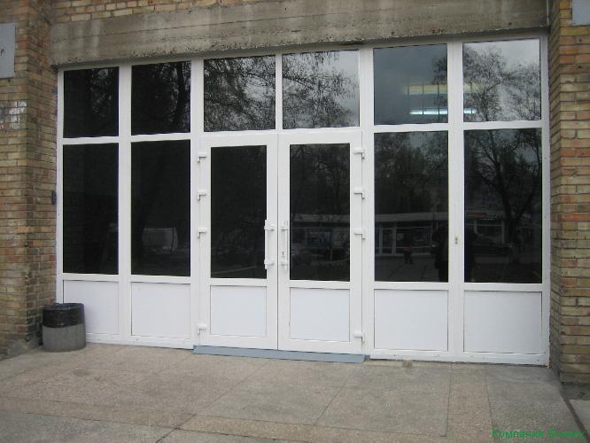входная дверь для школы
