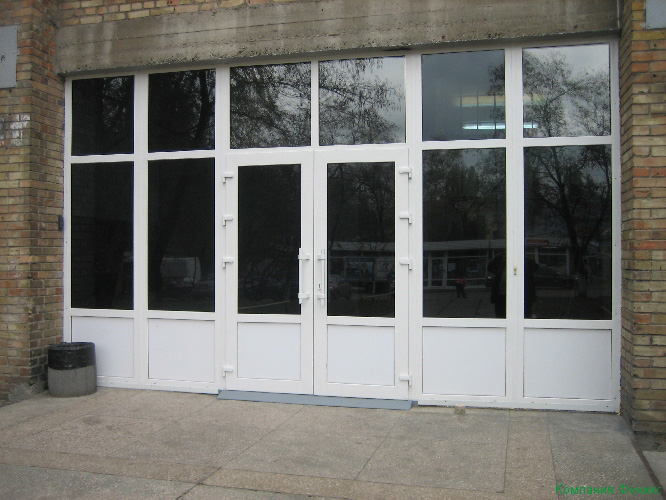 входные двери школ